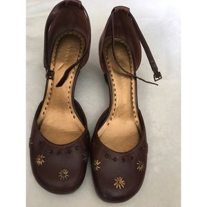 Gianni Bini Brown and Gold Wedge Heels